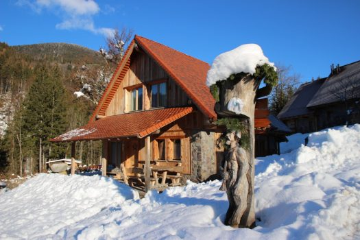 Mountain chalets: the fascination of the Dolomiti village in Carnia